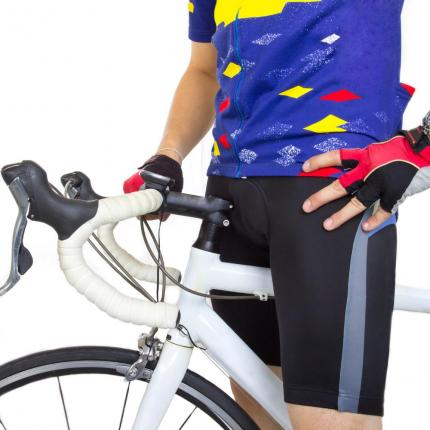 New-Zealand-hotel-bans-Lycra-cycling-shorts-due-to-unsightly-bulges