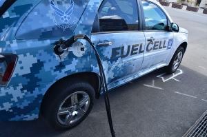 fuel-cell-car-refuels